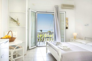 double bed studio vivian kefalonia